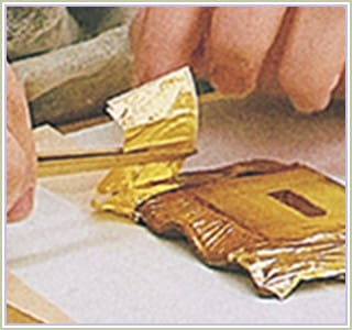 金箔(きんぱく)